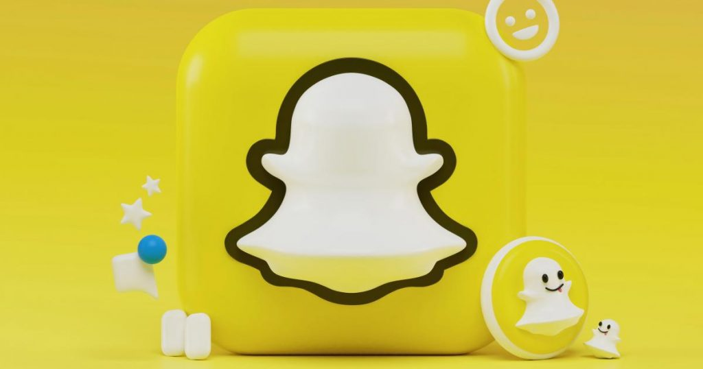 cathie-wood-offloads-$9.3m-in-snapchat,-buys-$32m-in-etsy
