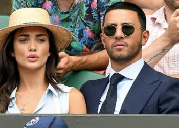 amy-jackson-deletes-pictures-of-fiance-george-panayiotou-from-instagram,-sparks-breakup-rumours